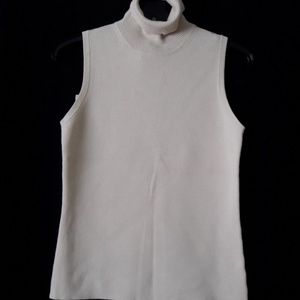 NWT Banana Republic sleeveless beige turtleneck